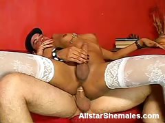 Shemale Graziela Gets Bottomed