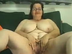 Thick And Busty Granny Teasing Her Body