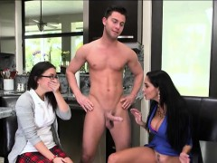 Daisy Summers and her bf studies human body by a threesome