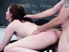 Naturaltit schoogirl fucked in the classroom