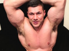 A Full On Muscle Masturbation Show