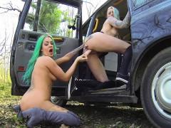Alt lesbians fucking in fake taxi
