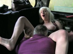 Huge boobs amateur blonde slut fucked at the backseat