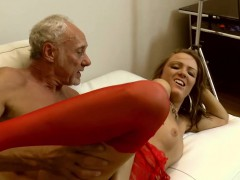 Teen Jodie Lee gags while sucking older cock