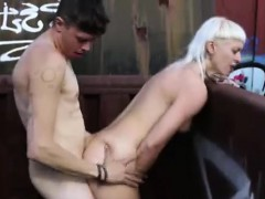 Aussie amateur guy fucks blonde doggystyle