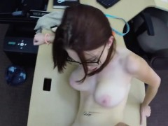 Teen gets banged at the office of the pawnshop