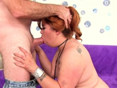 Sexy Plumper Gets Kissed On Her Belly And Ass Licked She