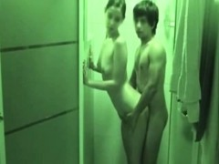 Teen loves to fuck in the shower