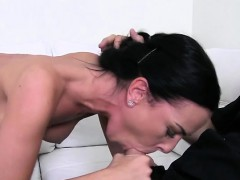 Amateur bangs in front of the camera on casting