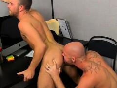 Gay clip of On his back and taking it deep, Parker gets the